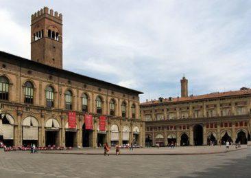 bologna_piazza_maggiore_crescentone