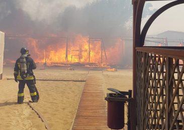 catania-incendi-spiaggia_