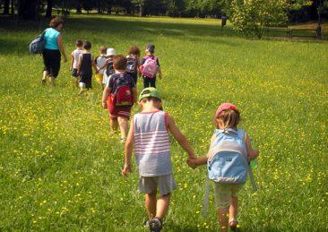 centri-estivi_bambini_parco_giochi_aria-aperta