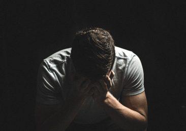 depressione_tristezza_disoccupazione_uomo