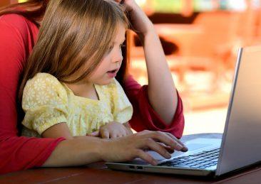 figli_genitori_computer