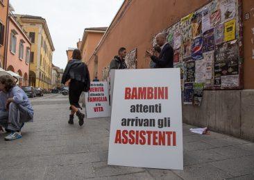 genitori-sottratti-presidio-bologna_affidi_bibbiano-32