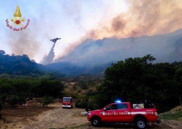 vigili del fuoco incendi sicilia