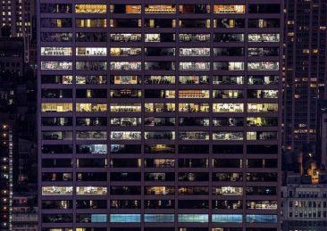 luce_palazzo_finestre