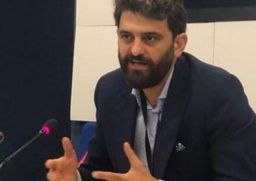 m, ricercatore del think tank Triangle e attivista libanese
