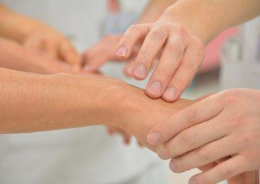mani_riabilitazione_aifi_aiuto