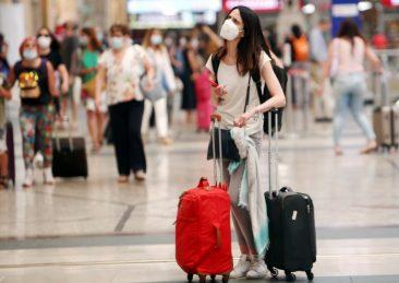 mascherina_viaggio_turismo_aeroporto