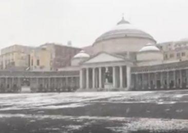 neve_piazza_plebiscito-napoli