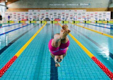nuoto piscina nuotatrice