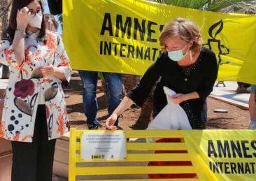panchina gialla amnesty international