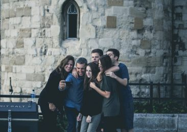 persone-felicita-amicizia