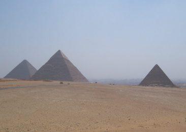 piana-di-giza_piramidi