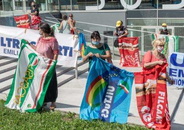 protesta-addetti-scuola-pulizie-mense-bologna-9