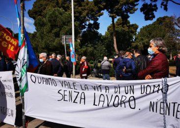 protesta lavoratori blutec