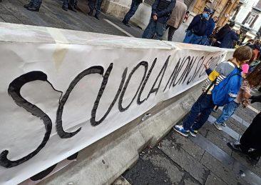 protesta-scuola-campania-2