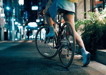 ragazza-in-bici