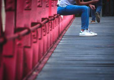 ragazza_-donna-_adolescente-_solitudine