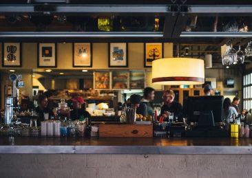 restaurant-690569_1920-1