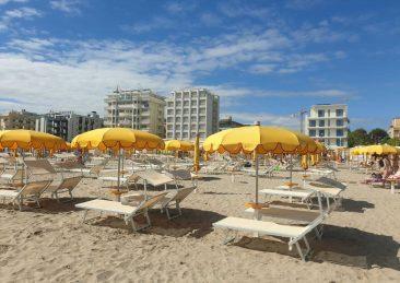 riccione_spiaggia_spiagge_ombrelloni-2