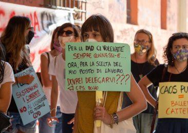 scuola-protesta-docenti-bologna-5-scaled