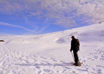 neve ciaspole montagna sci