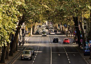 traffico_auto_automobili_strade_citta