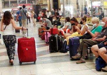 treni_stazioni_partenze_vacanze-2-scaled
